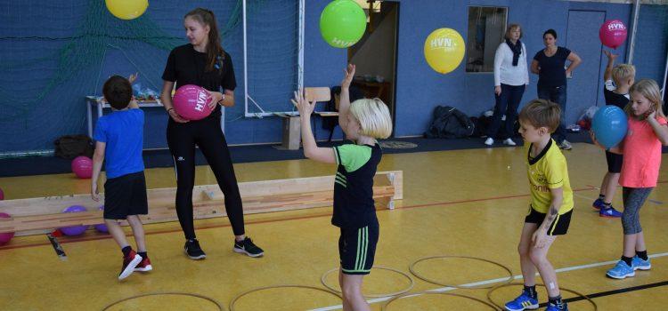 Spiel und Spaß beim Handball: Grundschulaktionstag an der GS Hellern